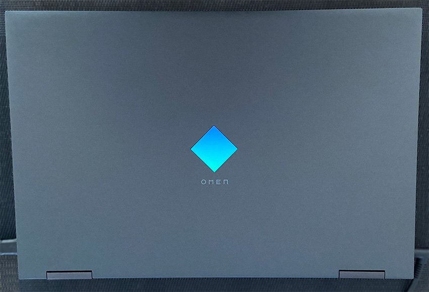 HP 15 Gaming Laptop showing Diamond on the lid